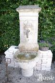 18de eeuwse antieke fontein – antique fountain, 18th century.