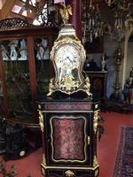 Cabinet with boulle clock