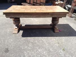 Grand table sculpté ref193