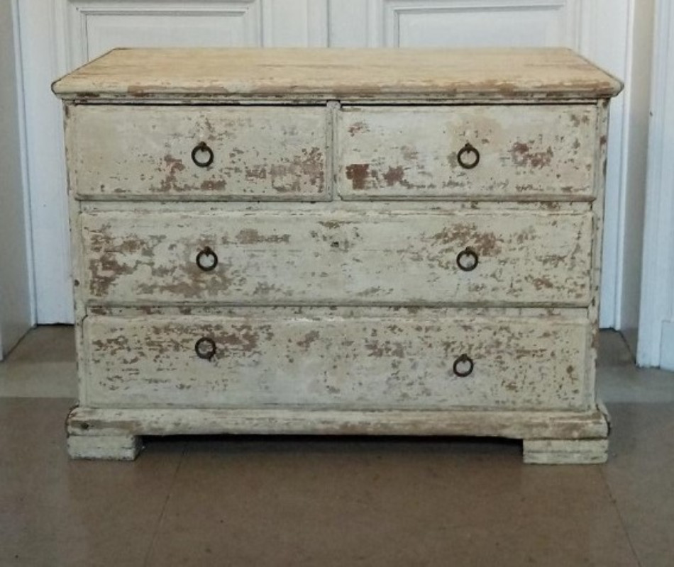Swedish Commode   Simple lines and beautiful patina