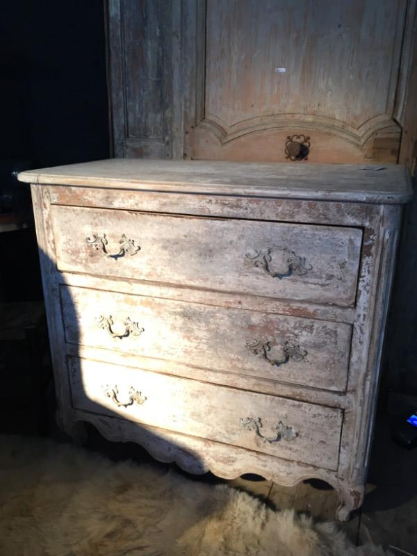 3 Drawer Commode in Patinated Cherry