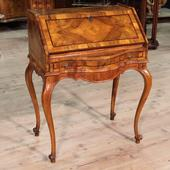 Lombard bureau with high leg in walnut and rosewood of the early twentieth century