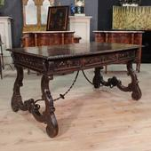 Big Spanish desk Renaissance style of the twentieth century