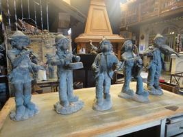 set of 5 brons statue vert de gris from the front of musicschool