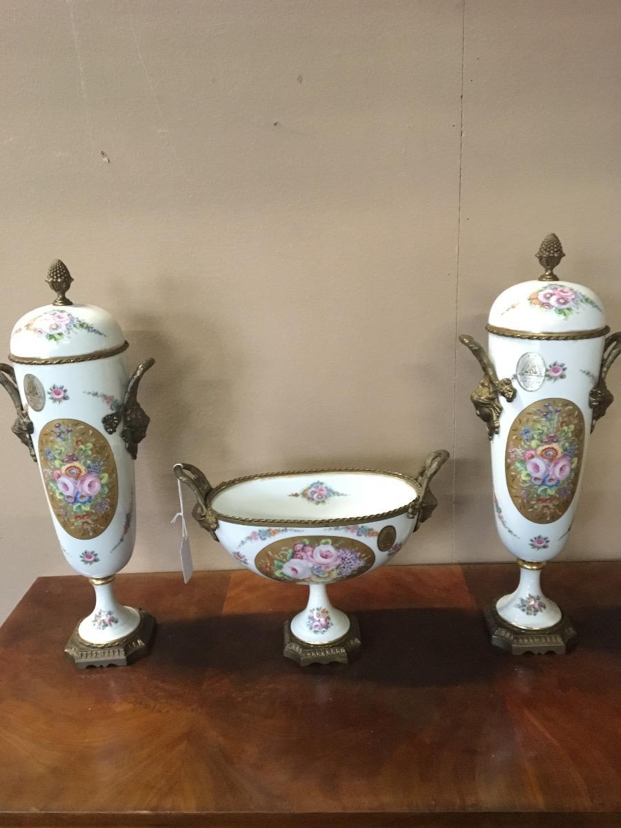 Drie stel porcelein