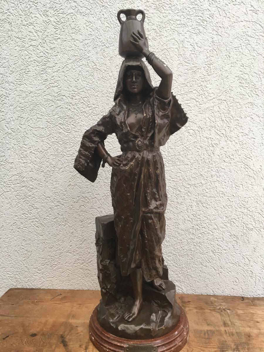 Bronzen beeld Rebecca