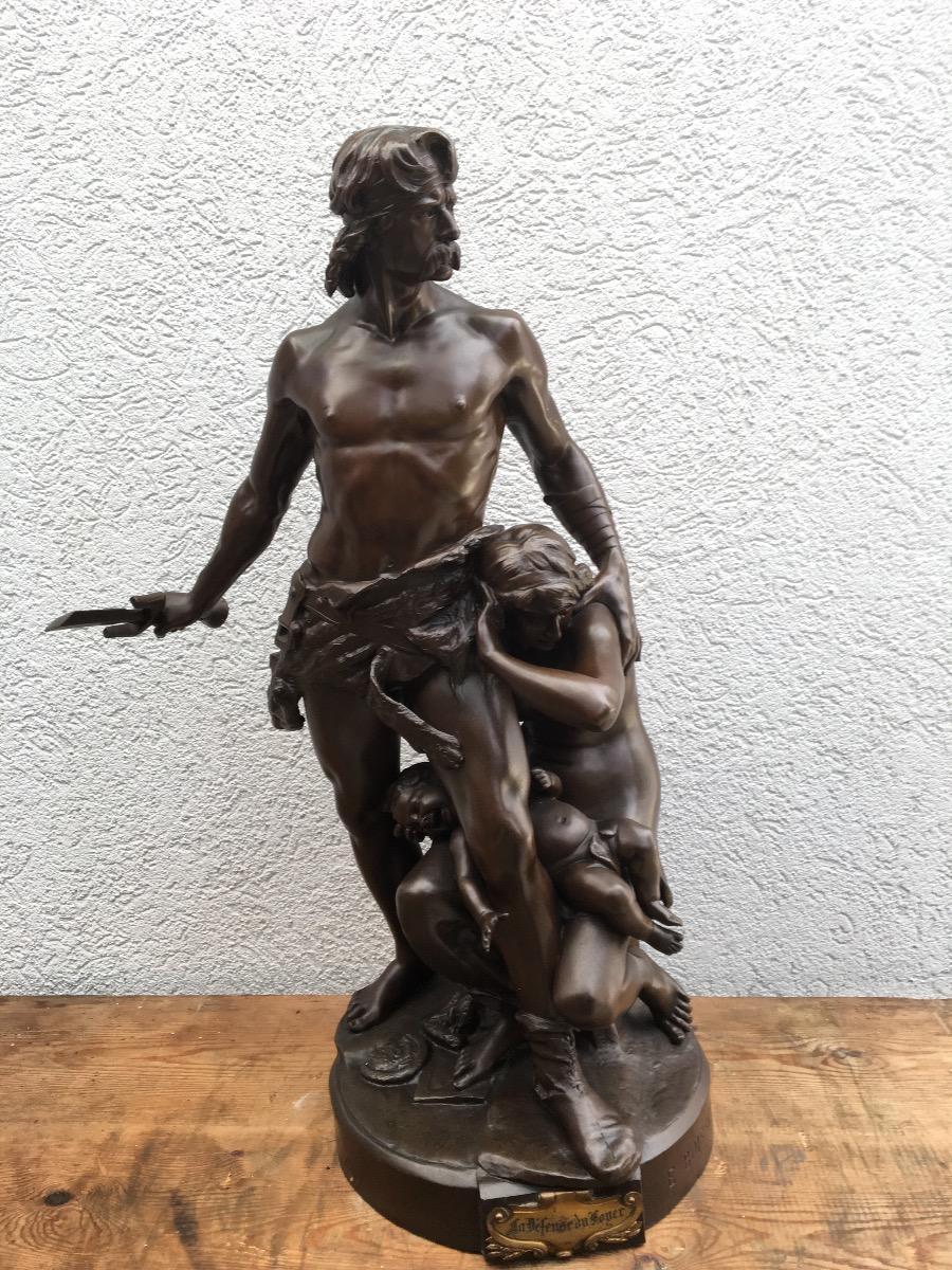 Bronzen beeld ( defence du foyer)